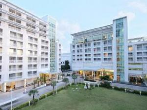Kameo Grand Hotel & Serviced Apartments - Rayong