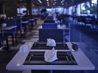 Pullman Kuching Hotel Кучинг - Ресторан