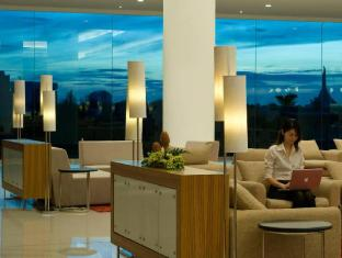 Pullman Kuching Hotel Кучинг - Лобби