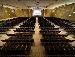 Pullman Kuching Hotel Кучинг - Бална зала