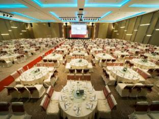 Pullman Kuching Hotel Kuching - Ballroom