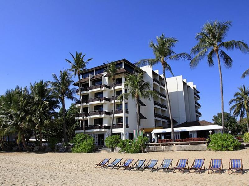Rayong Chalet Resort ระยอง ชาเล่ต์ รีสอร์ต