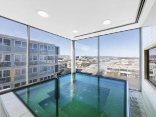 iStay Precinct Adelaide - Pool Spa
