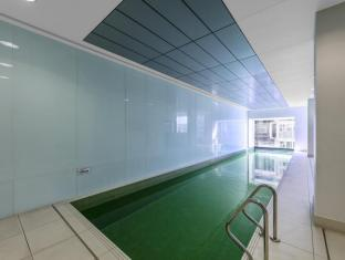 iStay Precinct Adelaide - Swimming Pool