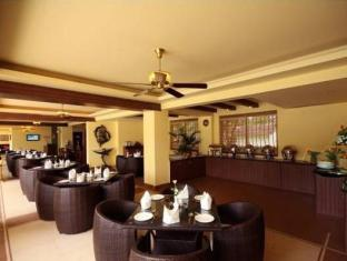 Hotel Meraden La Oasis Goa - Restaurant