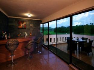 Hotel Meraden La Oasis Goa - Pub/salon
