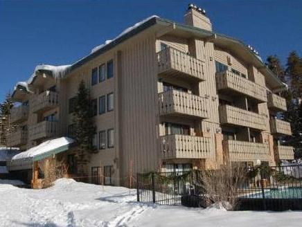 Scandinavian Lodge And Condominiums