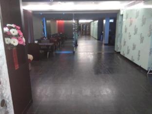 The Spring Hotel Chennai - Lobby