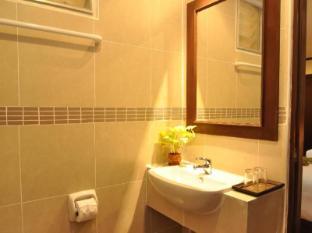 Hemingway's Hotel Phuket - Badrum