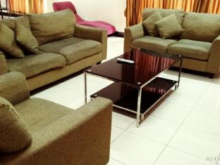 KK-Suites Residence @ Marina Court Resort Condominium Kota Kinabalu - Penthouse Living Room with Wi-Fi