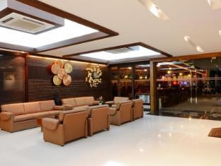 Inn House Pattaya - Vestíbulo