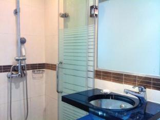 Pop Hotel הונג קונג - חדר אמבטיה