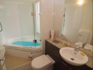 At Blue Horizon Resort Apartments Whitsunday Islands - Bathroom