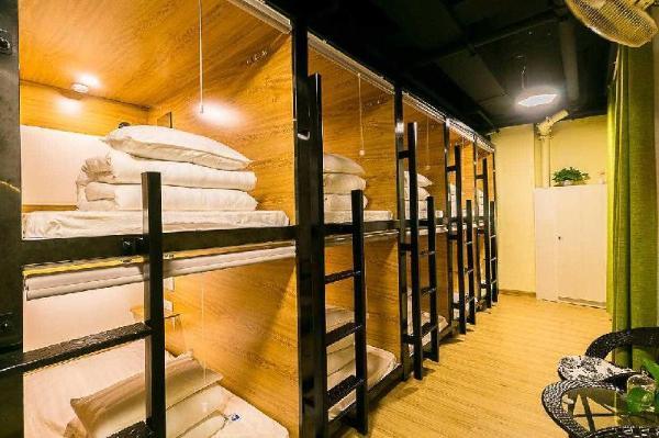 Cube Bed Station Hostel Semporna
