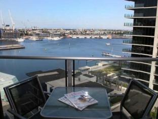 Docklands Private Collection – New Quay Melbourne - Balcony/Terrace