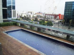 Docklands Private Collection – New Quay Melbourne - Swimming Pool