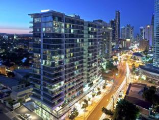 /wyndham-surfers-paradise/hotel/gold-coast-au.html?asq=jGXBHFvRg5Z51Emf%2fbXG4w%3d%3d