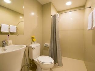 Mooks Residence Pattaya - Bathroom