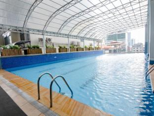 Best Western Plus Antel Hotel Manila - Infinity Pool at A.Venue Suites