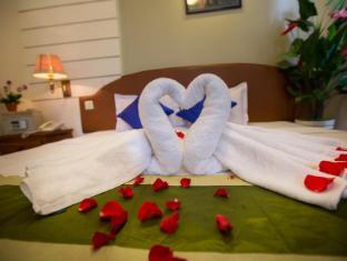Hang Neak Hotel Phnom Penh - single bed