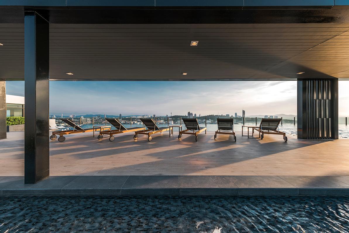Pattaya Central Sea View Pool Suite พัทยา เซ็นทรัล ซี วิว พูล สวีท