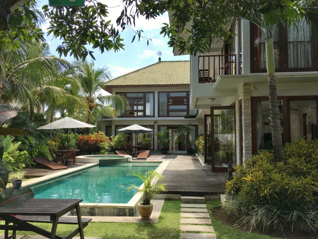 Coconuts Residence
