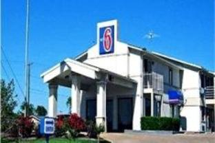 Motel 6 Dallas DeSoto Lancaster