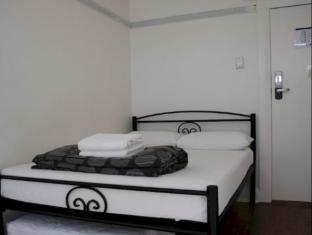 Highfield Private Hotel Sydney - Double Room
