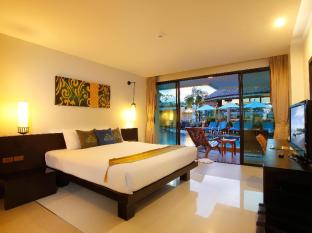 Palmyra Patong Resort Phuket - Deluxe Pool Access - Bedroom