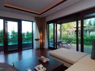 Niramaya Villa & Wellness Resort Phuket - Habitación