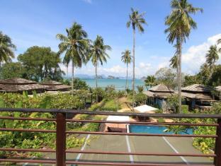Niramaya Villa & Wellness Resort Phuket - Vistas