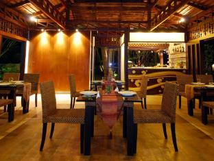 Niramaya Villa & Wellness Resort פוקט - מסעדה