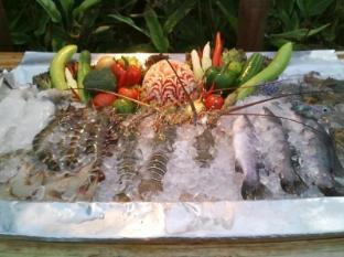 Niramaya Villa & Wellness Resort פוקט - אוכל ומשקאות
