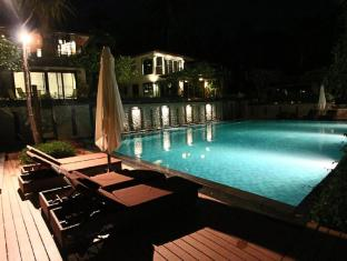 Niramaya Villa & Wellness Resort Phuket - Yüzme havuzu