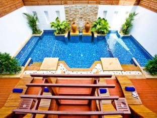 Arimana Hotel Phuket - Swimming Pool