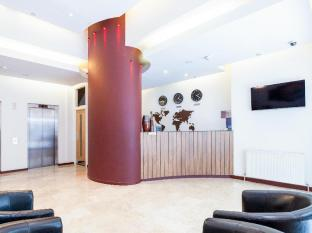 Avni Kensington Hotel London - Hotel Front Desk
