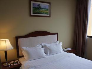 Gaya Centre Hotel Kota Kinabalu - Deluxe Queen