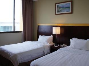 Gaya Centre Hotel Kota Kinabalu - Deluxe Twin