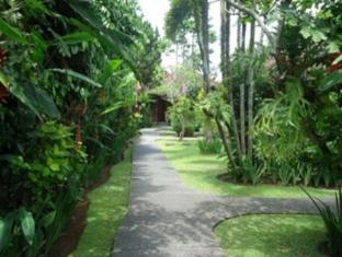 Sri Bungalows Ubud Bali - Garden