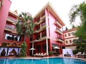 โรงแรมอัปสรา ฮอลิเดย์ (Apsara Holiday Hotel)