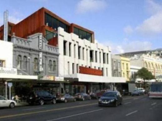 K Road City Travellers Hostel