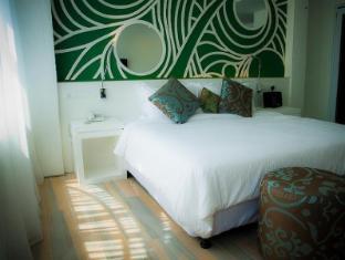 Batik Boutique Hotel Kuching - City Facing Suite King Bed