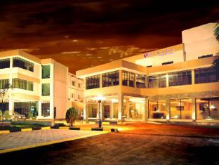 /id-id/ramada-katunayake-hotel-colombo-international-airport/hotel/negombo-lk.html?asq=5VS4rPxIcpCoBEKGzfKvtE3U12NCtIguGg1udxEzJ7kOSPYLQQYTzcQfeD1KNCujr3t7Q7hS497X80YbIgLBRJwRwxc6mmrXcYNM8lsQlbU%3d