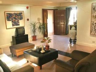 Stone House Bed and Breakfast Manila - Lobby
