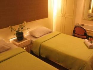 Stone House Bed and Breakfast Manila - Guest Room