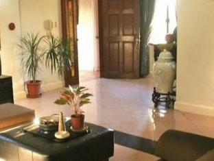 Stone House Bed and Breakfast Manila - Interior