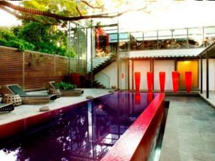 The Park Pod Hotel Chennai - Pool