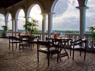 Hotel Clarion Wattala - Roof-top restaurant