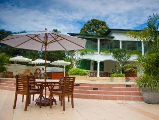 Hotel Clarion Wattala - By the pool