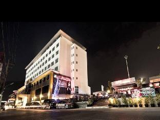 クー ホテル Pratunam Hotel
